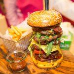 Chiếc bánh burger có giá tới 10.000 USD ở Dubai