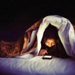 Để điện thoại không trở thành kẻ chia rẽ tình cảm lứa đôi