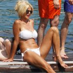 Siêu mẫu Thụy Điển khoe dáng ấn tượng với bikini